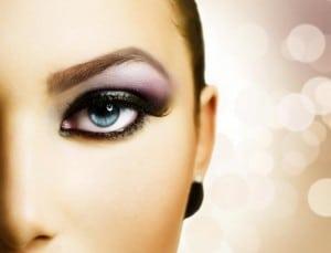 Maquillage et lentilles de contact