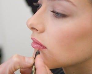 application crayon à lèvres